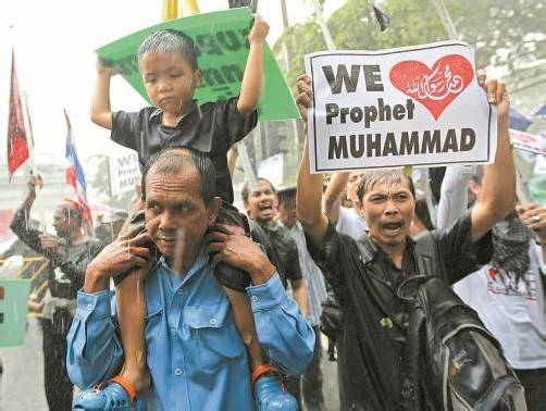 In Thailand verliefen die Demonstrationen vor der US-Botschaft in Bangkok weitgehend ruhig. Foto: Reuters