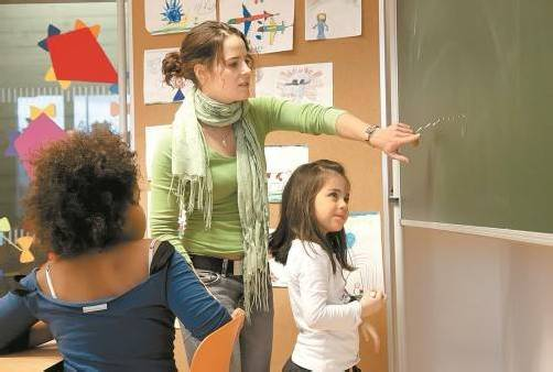 Junge Lehrer müssen am Anfang ihrer Karriere finanziell darben. Foto: VN/Paulitsch