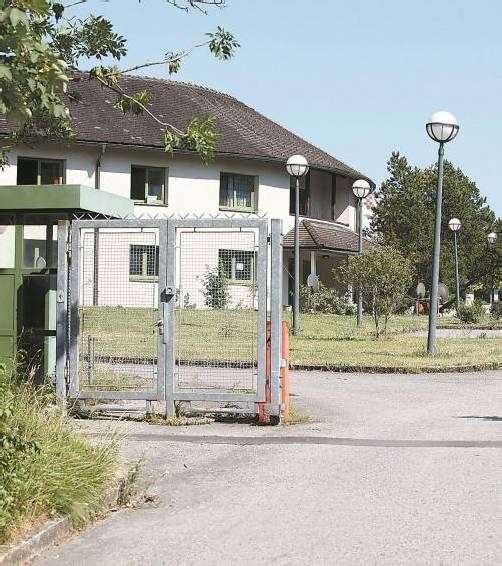 """Landesrat Schwärzler. """"Hätten wir die Flüchtlingsunterkunft Galina noch, hätten wir die Quote erfüllen können."""" Foto: VN/Hofmeister"""