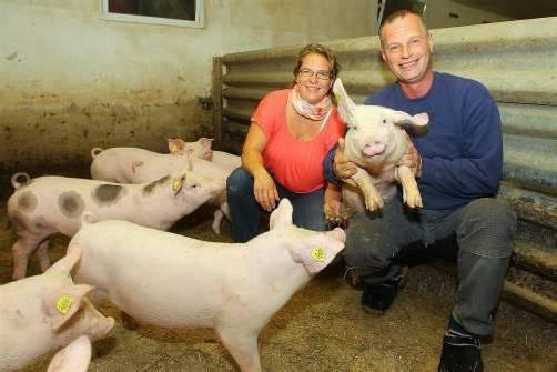 Landwirte aus Leidenschaft: Sabine und Peter Ilg. foto: vn/hb