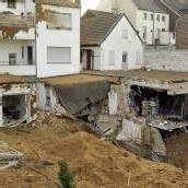 Trümmerfeld nach Sprengung