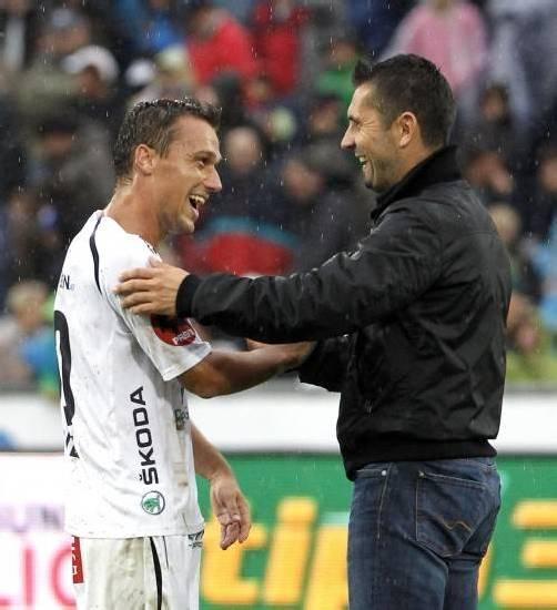 Michael Liendl (links) mit Trainer Nenad Bjelica. Foto: apa