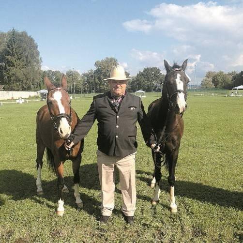 Peter Schenk hofft, mit Ponys aus der eigenen Zucht den Meisterschaftstitel zu holen. Foto: VN/Güfel