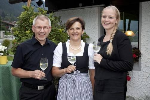 Peter und Andrea Schedler mit Wiebke Meyer (v. l.) FOTOS: FRANC