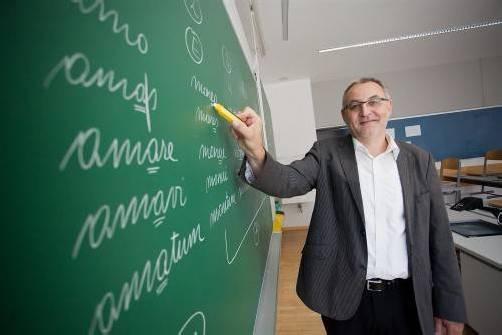 """""""Pro Gymnasium""""-Sprecher Rainer Gögele unterrichtet am BRG Schoren. VN"""