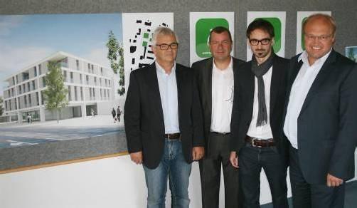 Reinhard Warger, Erich Mayer, Florian Eberle und Bgm. Elmar Rhomberg (v. l.) präsentierten das ehrgeizige Projekt. Foto: Atrium