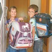 Schulanfang – Linda und David warten schon /A7