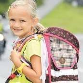 Sicher zur Schule Eltern sollten ihre Kinder bilden /B1