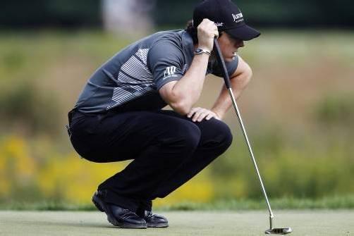 Setzte sich nach zwei Runden an die Spitze: der Weltranglistenerste Rory McIlroy. Foto: reuters