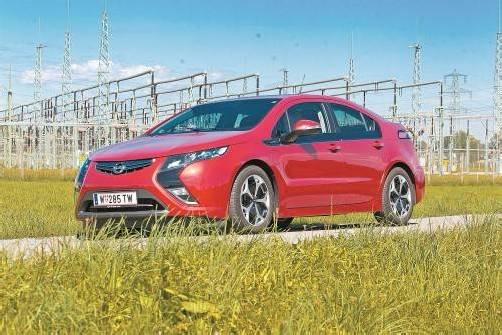 Spannender Opel Ampera: Antrieb elektrisch und nichts als elektrisch. Fotos: VN/Steurer