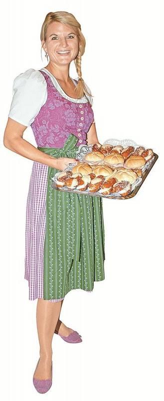 Stefanie Hein servierte den Gästen frisches Gebäck.