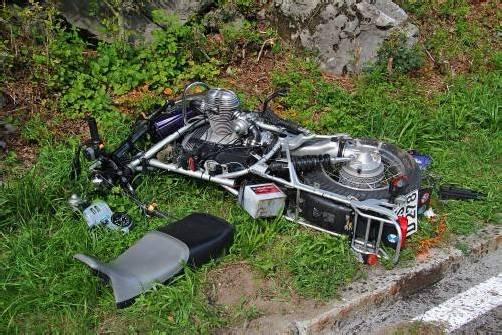 Tödliches Ende: Kollision zwischen Motorradfahrer und Pkw auf der Bregenzerwaldstraße. Foto: VOL.at