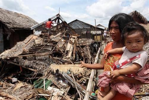 Viele Familien stehen nun vor den Trümmern ihrer Existenz. Foto: EPA