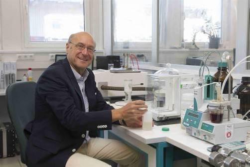 Walter Deuring in seinem Forschungslabor. Fotos: VN/Paulitsch