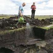 Jungsteinzeit-Boot im Federseeried entdeckt
