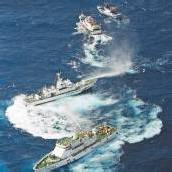 Fischerboote mit Wasserwerfern vertrieben