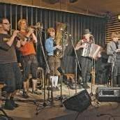 Kilbi Altenstadt mit dem Holstuonarmusigbigbandclub