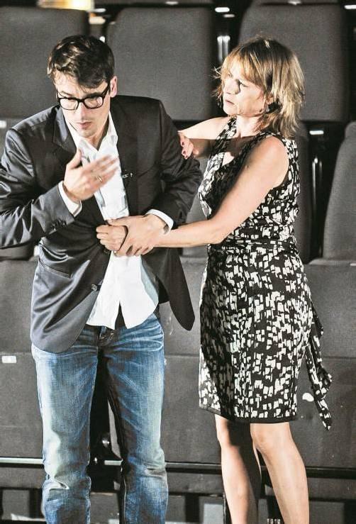 Alexander Khuon und Corinna Harfouch. Foto: Theater/Declair