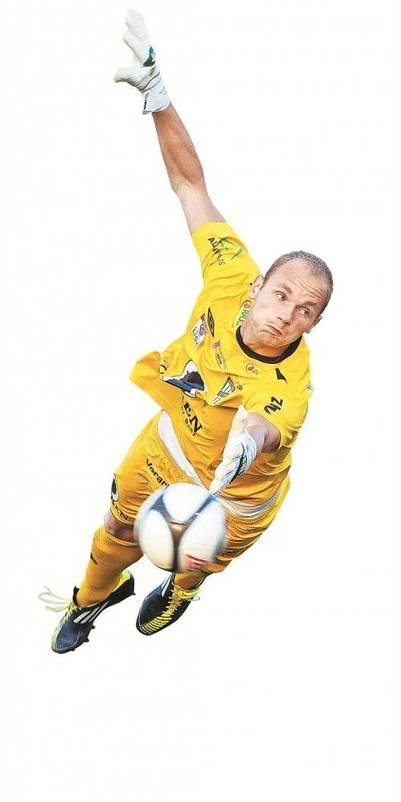 """Alexander Kofler """"fliegt"""" – sehr oft musste er in dieser Saison noch nicht Kopf und Kragen riskieren. Foto: Diener"""