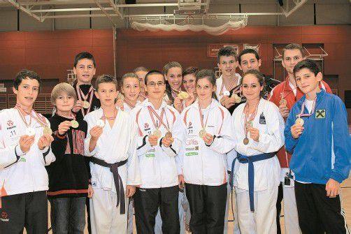 Alle Goldmedaillengewinner des Vorarlberger Fachverbands bei den Titelkämpfen in Wels. Foto: Privat