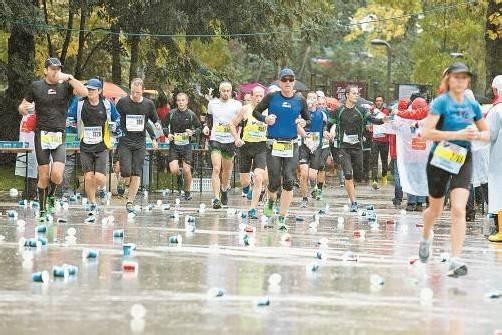 Am Ende des 6. Sparkasse-Marathons durften sich alle rund 7000 Finisher, egal welche Platzierung sie erreicht haben, als Sieger fühlen.