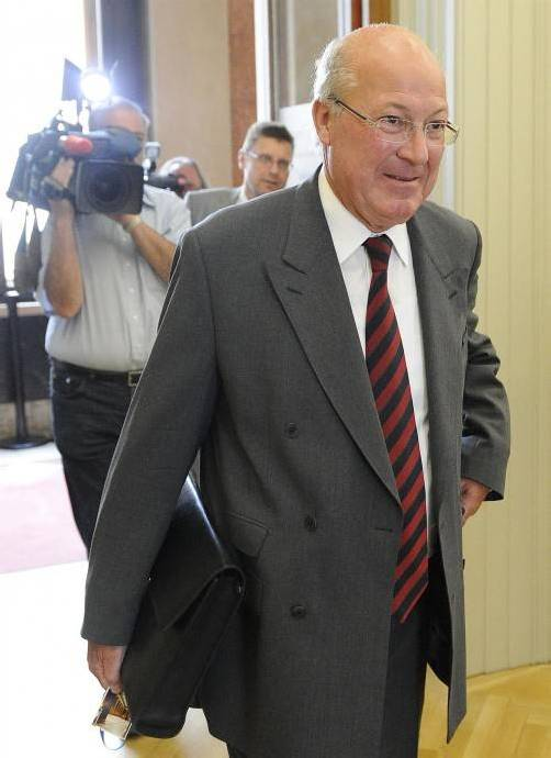 Anklage gegen Ex-Telekom-Chef Heinz Sundt.