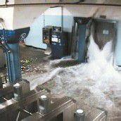 Auch in die New Yorker U-Bahn drang Wasser ein, wie diese Überwachungskamera dokumentierte.