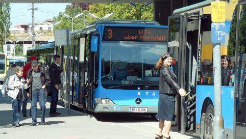 Bei der Fahrplangestaltung sollen die Übergänge von Land- und Stadtbus künftig besser aufeinander abgestimmt werden.