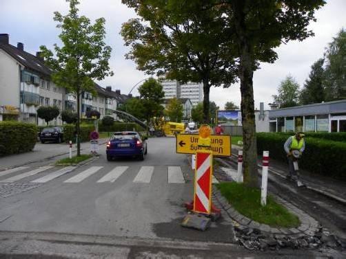 Belagsarbeiten in der Strabonstraße in Bregenz.