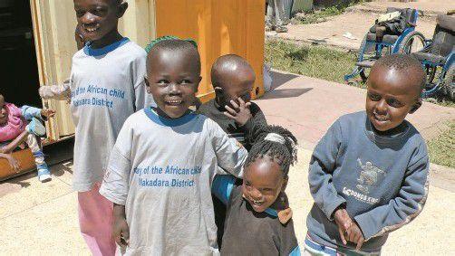 Betreuung für behinderte Kinder aus den Slums. fotos: vn/mohr