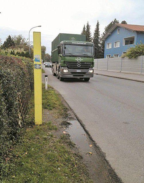 Birgt Gefahren: Die Bushaltestelle beim Schnabelholzstadion.