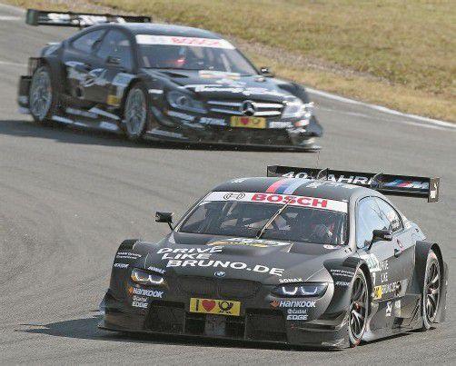 Bruno Spengler im BWM vor Gary Paffett im Mercedes – in Hockenheim geht es für die beiden um den DTM-Titel. Foto: apa