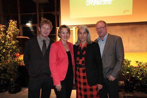 Bürgermeister Bernhard Kleber (l.) mit Kulturlandesrätin Andrea Kaufmann sowie Renate Breuß und Anton Kaufmann. Fotos: AME