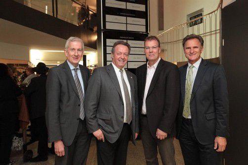 Bürgermeister Wilfried Berchtold (l.) mit Hermann Metzler (ZM3) sowie Markus Mitiska und WK-Präsident Manfred Rein. Fotos: AME