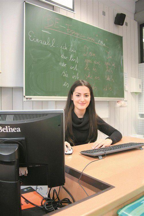 Delal Bektas will die Matura in zwei Jahren mit ausgezeichnetem Erfolg ablegen. Foto: VN/Matt