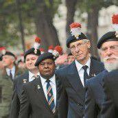 Britische Kriegsveteranen marschieren gegen Kürzungen