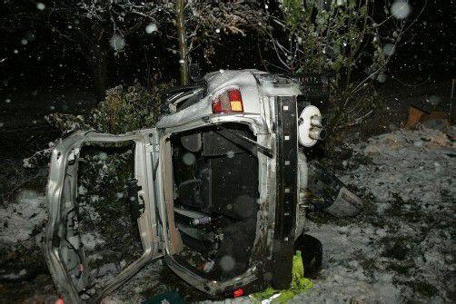 Das Auto landete in der angrenzenden Wiese. Foto: Vol.at/vlach