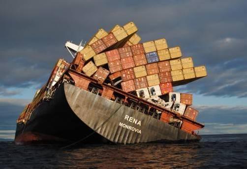 Das Containerschiff ist vor Neuseeland auf ein Riff gelaufen – 360 Tonnen Öl sind ausgelaufen. Foto: AP