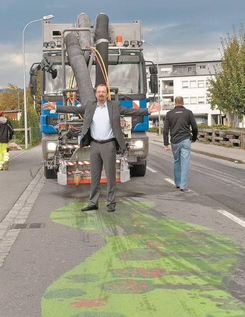 Demonstrativ bot Bürgermeister Rainer Siegele der beabsichtigten Säuberungsaktion die Stirn. Foto: hbr