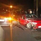 Autodieb flüchtet vor Polizei und rammt Pkw