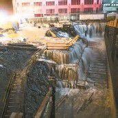 Die Baustelle am Ground Zero wurde in der Nacht geflutet. Die Aufräumarbeiten werden mehrere Wochen dauern. Foto: Reuters