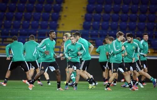 Die Rapid-Spieler beim Training im Stadion von Charkiw. Foto: apa