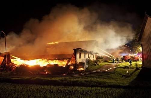 Die Schadenshöhe des Brandes ist noch nicht bekannt. Foto: APA