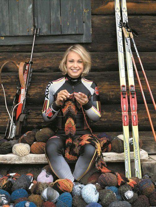 Die erfolgreiche Biathletin Magdalena Neuner findet den notwendigen Ausgleich zum Spitzensport im Stricken. Foto: wanda