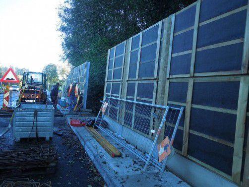 Die neu errichtete Lärmschutzwand an der Bödelestraße.