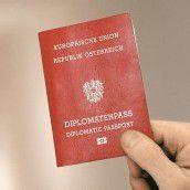400 Ex-Politiker schickten Pass freiwillig zurück