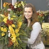 Traditioneller Schmuck aus Blumen zu Allerheiligen