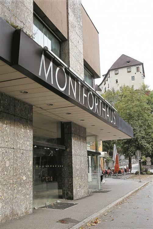 Eine Ära geht zu Ende: Das in den Siebzigerjahren erbaute Montforthaus wird Ende Oktober abgerissen. Foto: VN/ bernd Hofmeister