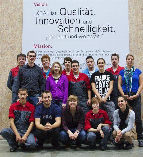 Elf neue Lehrlinge starteten beim Pumpenspezialisten Kral in Lustenau in ihre Lehrausbildung. Foto: KRAL