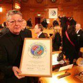 Erwin Kräutler wird mit Kunschak-Preis geehrt